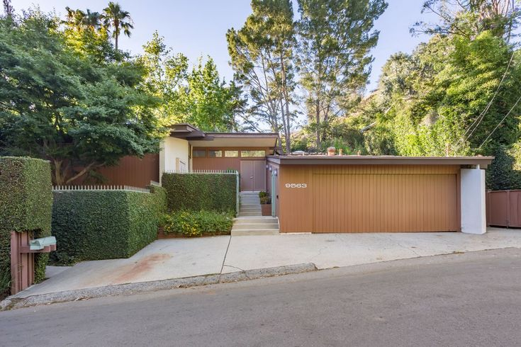 Beverly Crest midcentury modern with time capsule feel seeks $2.7M - Curbed LA