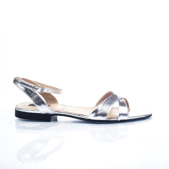 Clarice Silver Leather Flat Sandals by passepartouS on Etsy