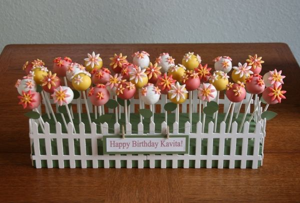 The cutest cake pop flower garden! Use this idea for wedding shower:)