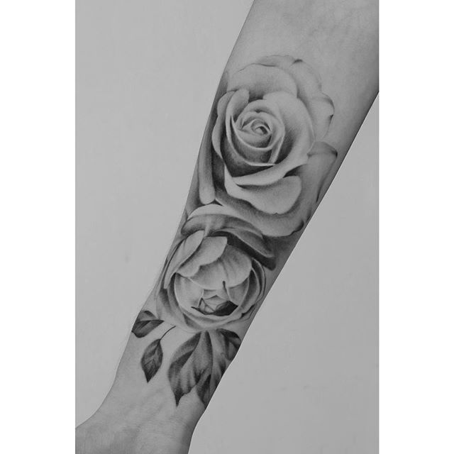 Roses and peony I did for Kyla. More realism please! :)