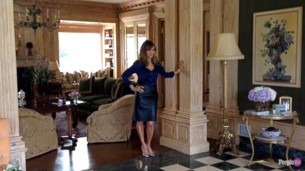 GTY jaclyn smith people home sk 140416 16x9 608 Go Inside Jaclyn Smiths Los Angeles Home