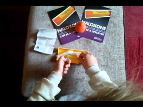 ▶ Scottish Naloxone kit, assembly demo so easy its childs play!!2 - YouTube
