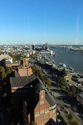 Hotel Empire Riverside - View on Hamburg