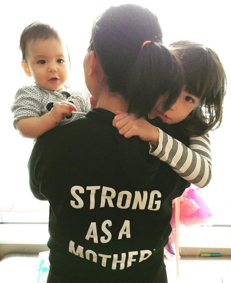 """52 Likes, 4 Comments - Elaine Yong (@elaineyongyvr) on Instagram: """"#Sundaymorning #hugs. There is nothing more difficult and rewarding than being the #mom of these…"""""""