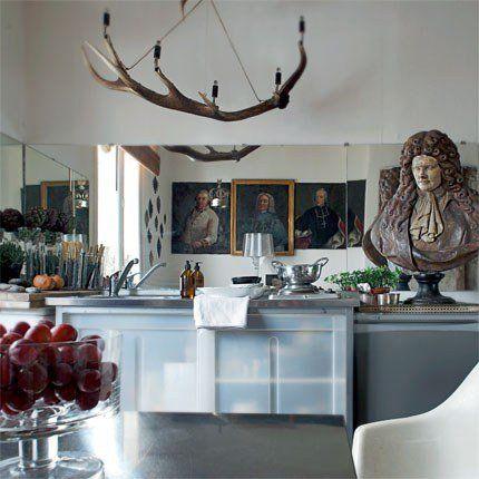 Une cuisine moderne qui mélange les styles XVIIIe et d'aujourd'hui / cuisine moderne, cuisine style , déco de cuisine