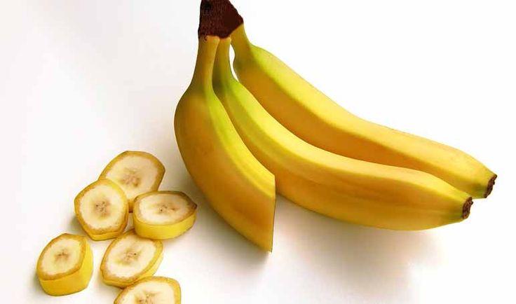Para preparar este veneno contra las moscas solo necesitas hacerte conun plátano, un fruto perfecto para dar vida a un sinfín deremedios caseros.