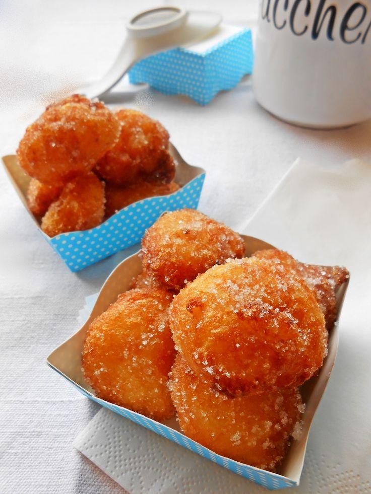 Frittelle di riso - Rice fritters  http://blog.giallozafferano.it/rossoduovo/frittelle-di-riso/