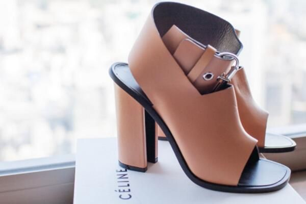 We need these just as much as the next person #céline #excited #ontrend the girls @TheyAllHateUs know the feeling! ❤