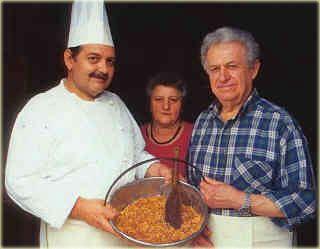 Mario, lo chef, con la Panissa nella Peiglia