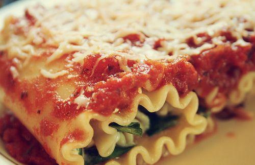 Spinach lasagna rolls: Quick Weeknight, Weeknight Dinner, Meals Recipe, Lasagna Rolls Up, Spinach Lasagna Rolls, Food Recipe, Comforters Food, Weeknight Meals, Dinner Recipe