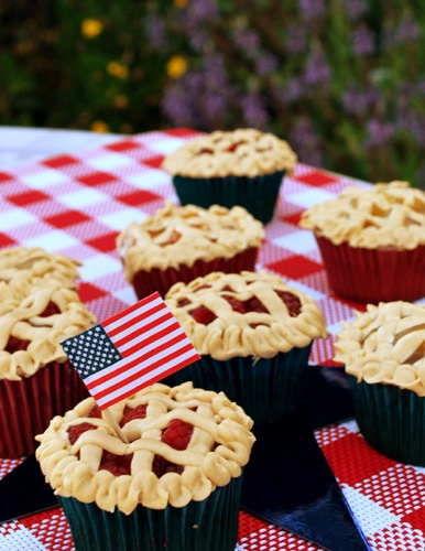 American pie cupcakes! Adorable!!