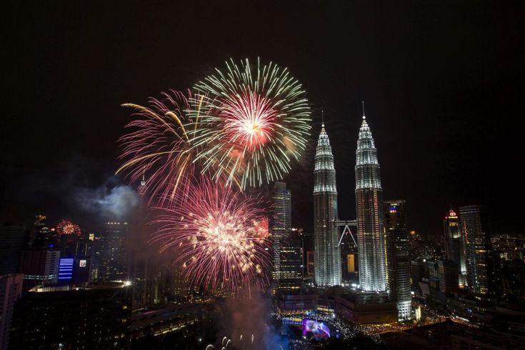 Bienvenida al 2013 | Fotogalería | Actualidad | EL PAÍS | Kuala Lumpur