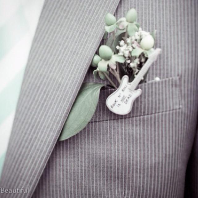 Rockabilly Wedding Ideas: Cute Boutonniere For Guys