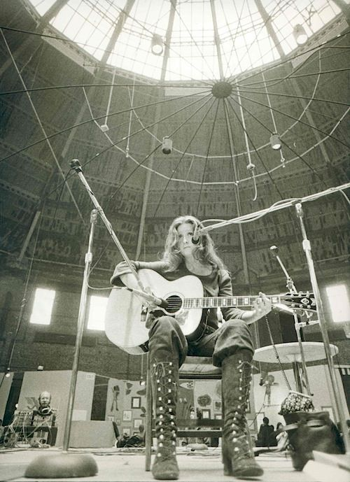 Bonnie Raitt, 1972.  Preserve your the memories of your lifetime, free at http://www.saveeverystep.com