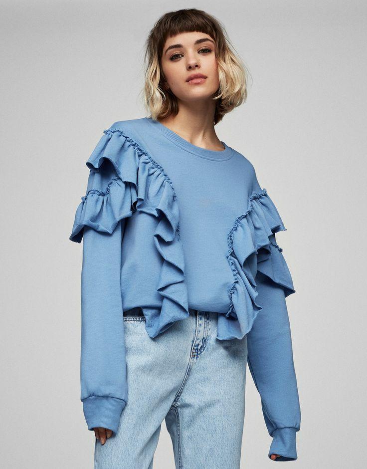 Sweatshirt met voorpand met volant - Sweaters - Kleding - Dames - PULL&BEAR Netherlands