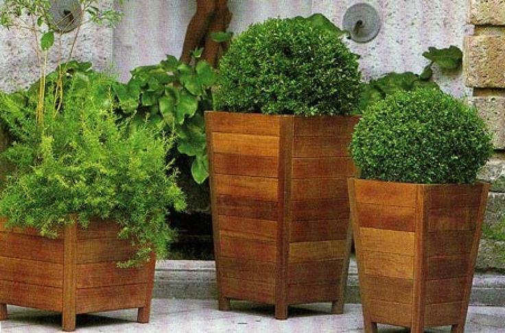 17 mejores ideas sobre jardineras exterior en pinterest for Jardinera de madera vertical
