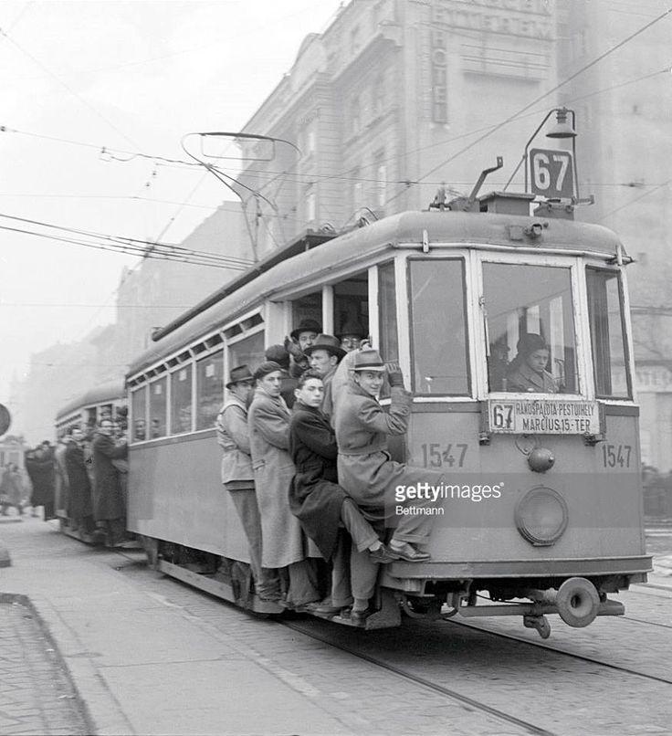 1956. Rákóczi út 90., a Rottenbiller utca torkolatánál,