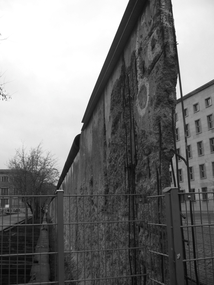 A history of the berlin wall in the germany