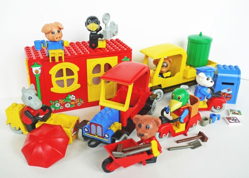 7 Vintage Lego Fabuland Sets