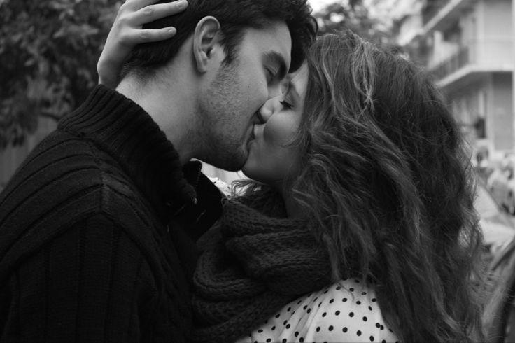 Photo: Παναγιώτα Γιαννοπούλου | Ηλικία:17 | Μαθήτρια στο 2ο Λύκειο Αγίου Δημητρίου.  Τίτλος Φωτογραφίας: «Mε ένα σου φιλί»
