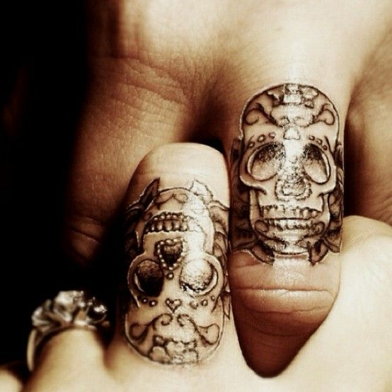 sugar skull tattoo- this is super cool