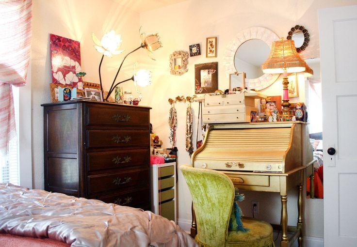 Christi's Creative & Crafty Austin Apartment