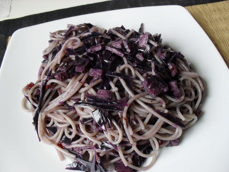spahetti purple cabbage and baked ham