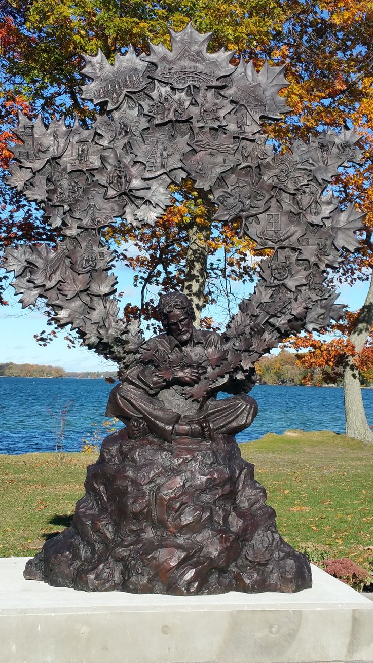 Gordon Lightfoot bronze monument October 2015 Tudhope Park Orillia Ontario