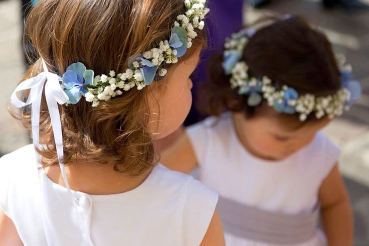 wedding spirit blog mariage petites fleurs de mariage gypsophile blanche mai juin juillet aout septembre idée décoration fleurs couronne, boutonnière bouquet de mariée cortège