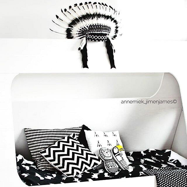 ➕➕➕ WoW iTS even more gorgeous than I thought  #INIDIAN #HOUSEOFLAVARGO #tipibed #woood #basiclabel #black #white #interior #childrensroom #huusjedesign #pillow #tipi #carlijnq #blanket #cross #JIMENJAMES #maveriks_handmadekidsroomrep