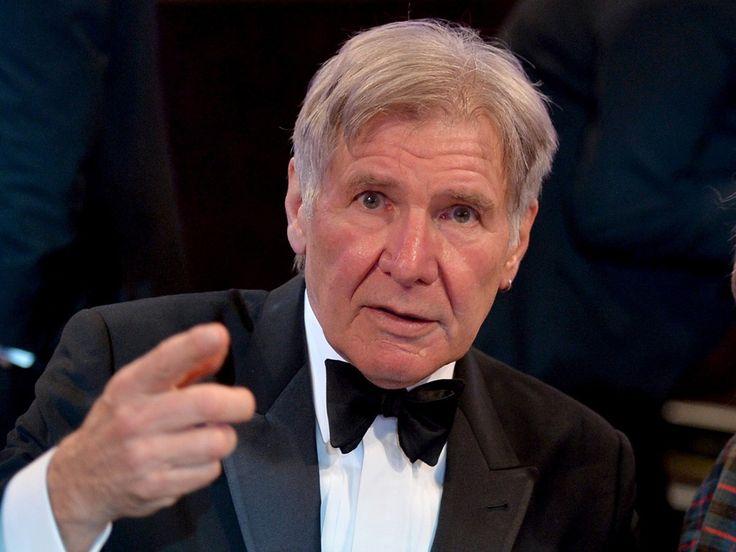 Colega de #StarWars deseja pronta recuperação de Harrison Ford >> http://glo.bo/1KxxHm8