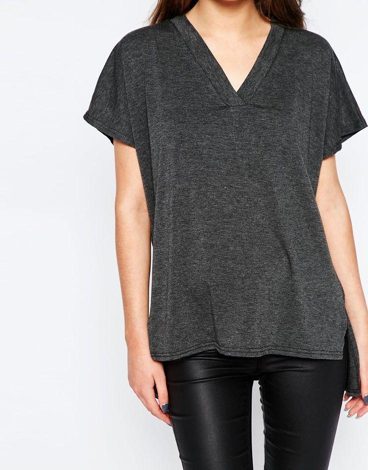 Camiseta extragrande con cuello pico de New Look