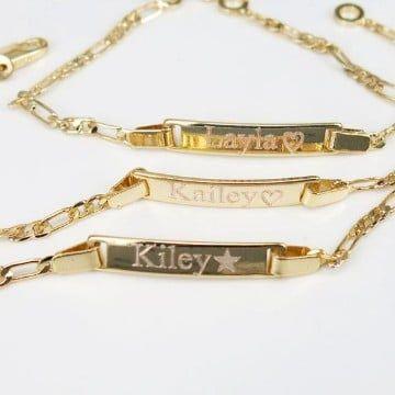 59b9a9ccb476 Imagenes con modelos de hermosas cadenas de oro para bebes ...