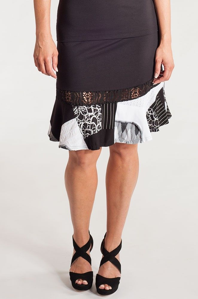 Beautiful summer skirt. Both sexy and stylish, made of high quality viscose knit.  http://www.boutiquemycoanna.com/index.php/vetements/printemps-ete/jupes?cat=680
