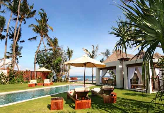 Villa Raj - Pool side view