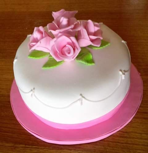 (1) Volovan Productos (@VolovanProducto) | Twitter #Roses #Fondant #cake by Volován Productos #instacake #Chile #puq #VolovanProductos #Cakes