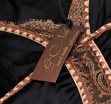 Бирка с тиснением_АврораПринтЛейбл #бирка #этикетка #лейбл #ателье #мода #стиль #пошив #одежда #бренд #логотип #дизайн #logo #atelier #label #fashion #style