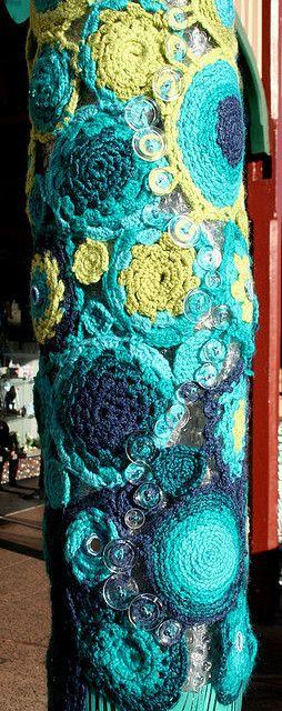 http://donnasdecembers.blogspot.com/2011/02/crocheted-inspiration-hodge-podge.html