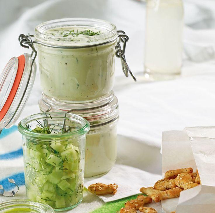 Rezept für Gurken-Buttermilch-Suppe bei Essen und Trinken. Und weitere Rezepte in den Kategorien Gemüse, Kräuter, Milch   Milchprodukte, Vorspeise, Suppen / Eintöpfe, Einfach, Gut vorzubereiten, Schnell.