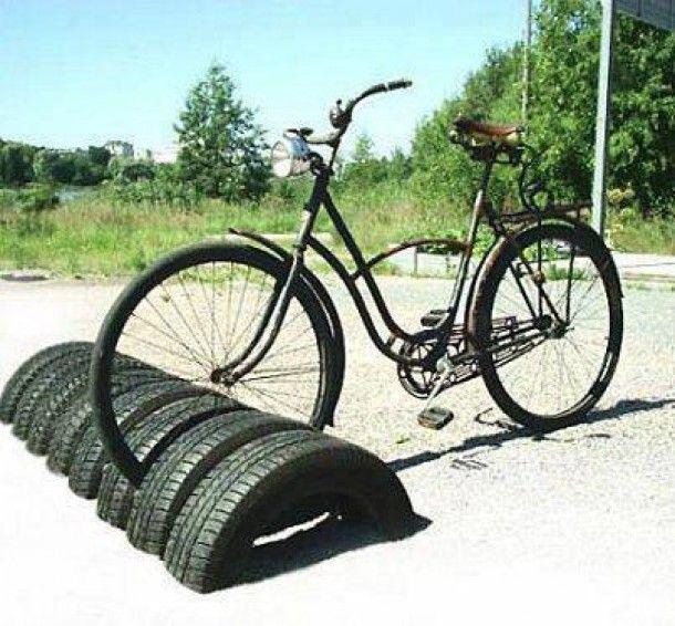 Eenvoudig maar wel heel handig. recycling en  de fiets beschadigd  minder..