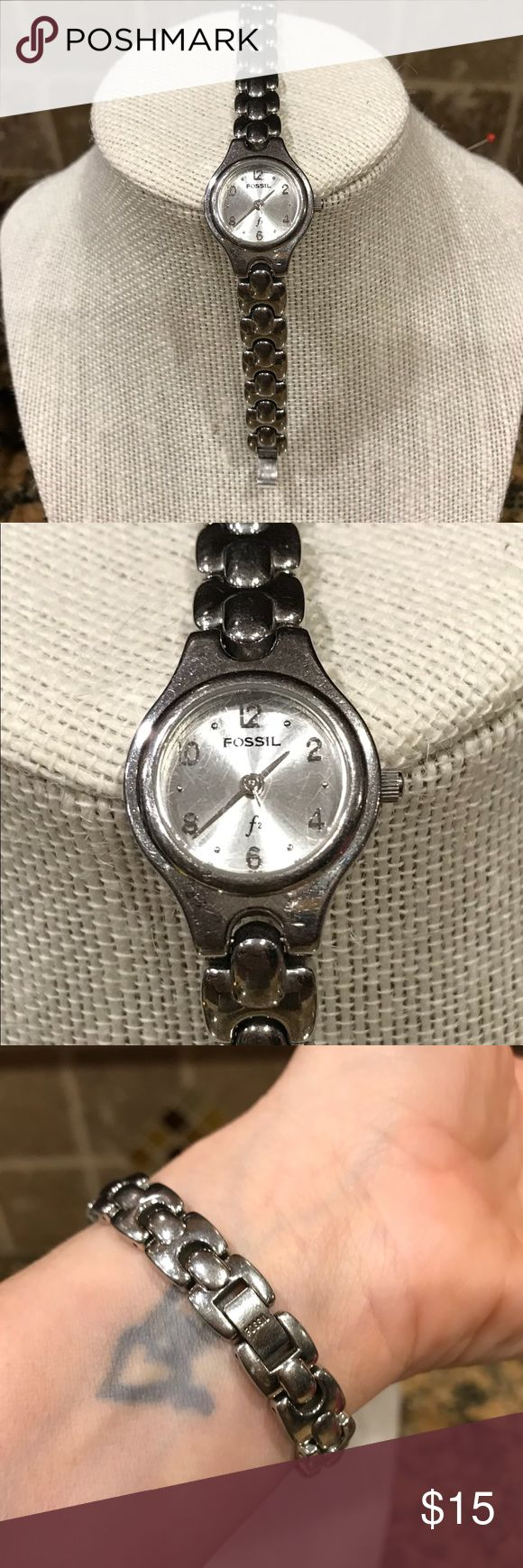 Fossil watch - good condition! Fossil watch. Needs a new battery, just went out. This was my favorite Watch! I got an Apple Watch now and don't wear it anymore. Fossil Accessories Watches