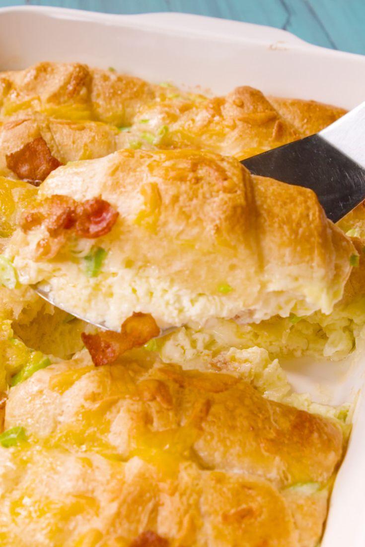 Frühstück Crescent CasseroleDelish
