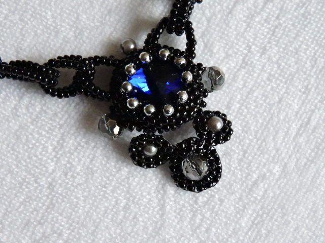 zwart blauwe ketting van helena`s sieraden op DaWanda.com