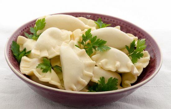 Рецепты салата вареников на кефире, секреты выбора ингредиентов и