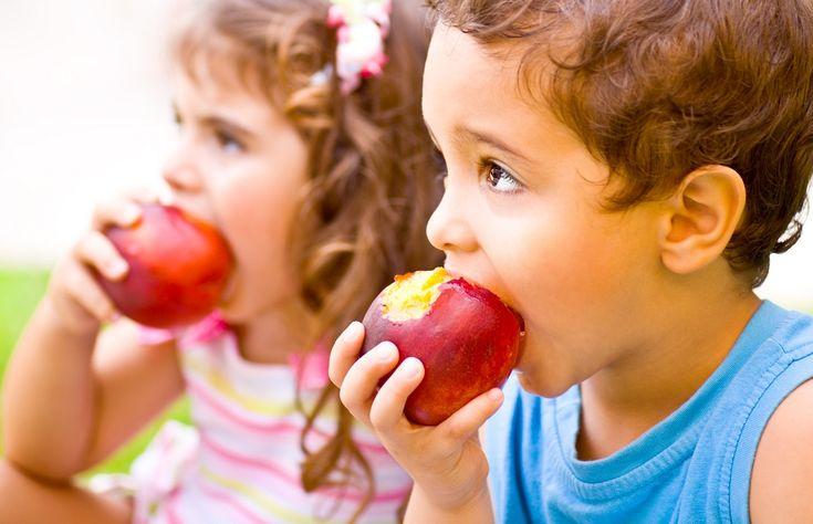 Cum îi motivăm pe copii să mănânce sănătos și echilibrat