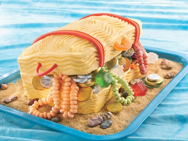 """Treasure Chest Cake ~ While birthdays aren't really holidays, they're still a rite of passage to celebrate. This would be a really """"sweet"""" cake to make for any pirate at heart."""