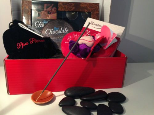 Valentines/B/day/Mothers Day Luxury Personalised Womens Hamper/Gift Box for Her