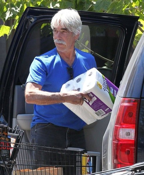 Sam Elliott Photos Photos - 'Draft Day' actor Sam Elliott out grocery shopping at Ralph's Supermarket in Malibu, California on August 26, 2013. Sam picked up a couple of six packs of Dead Guy Ale's Roque beer to drink. - Sam Elliott Shops for Groceries in Malibu