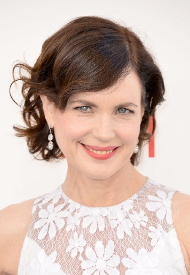 Elizabeth McGovern short hair with curls