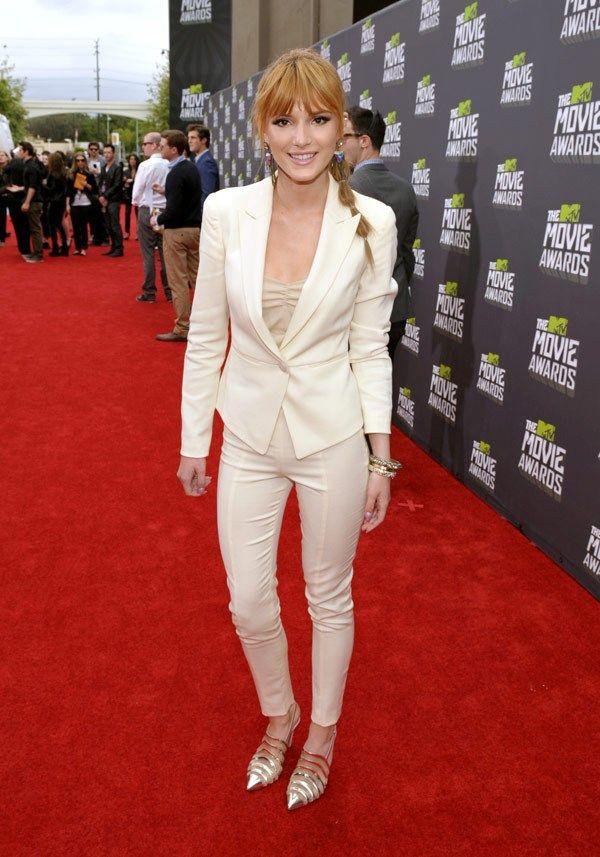 Ahh, Bella Thorne looks STUNNING